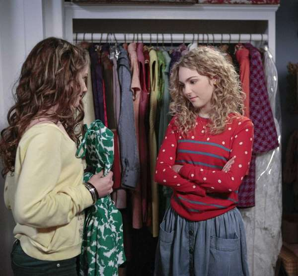 AnnaSophia Robb, left, stars as Carrie Bradshaw in