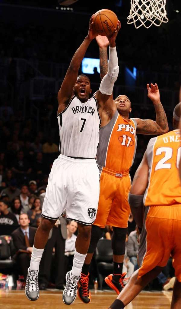 Joe Johnson of the Brooklyn Nets puts up