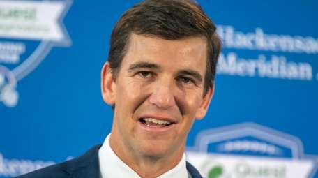 Eli Manning retirement press conference at the field