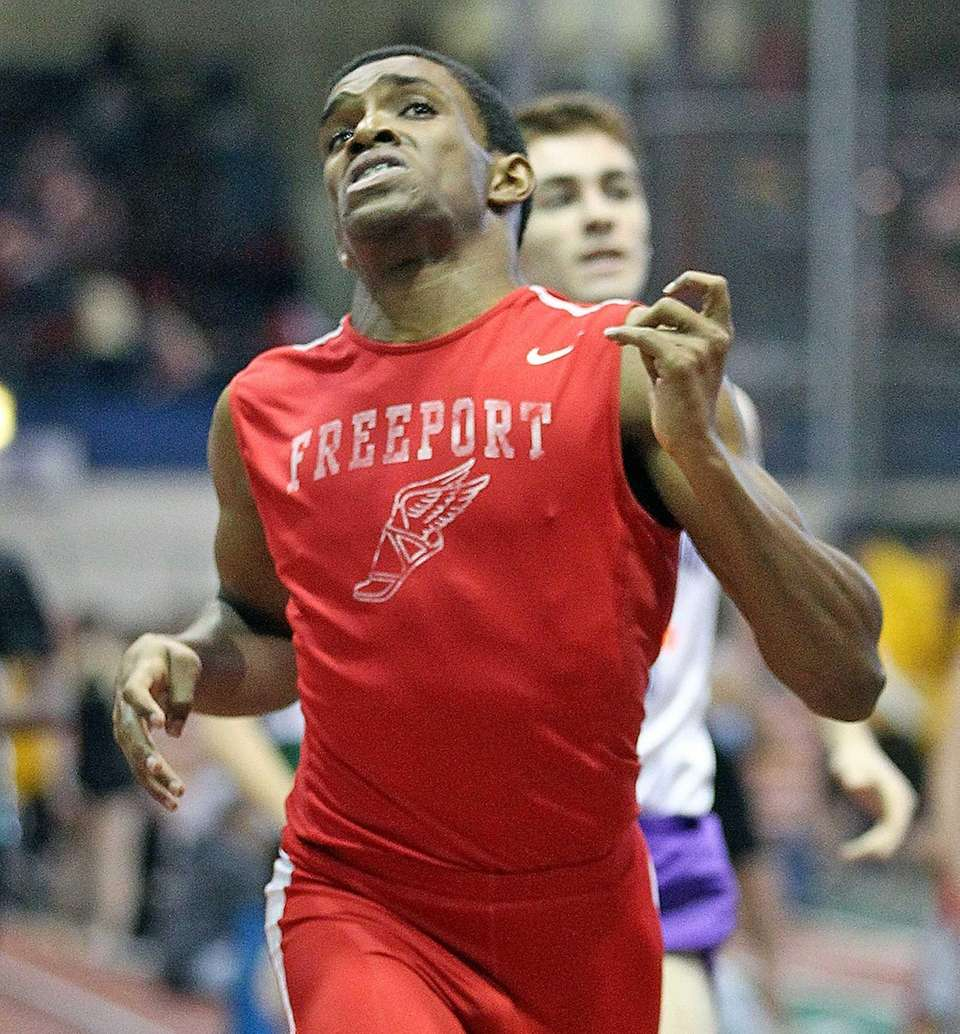 Freeport's Jonathan Greenwood competes in the boys 600-meter