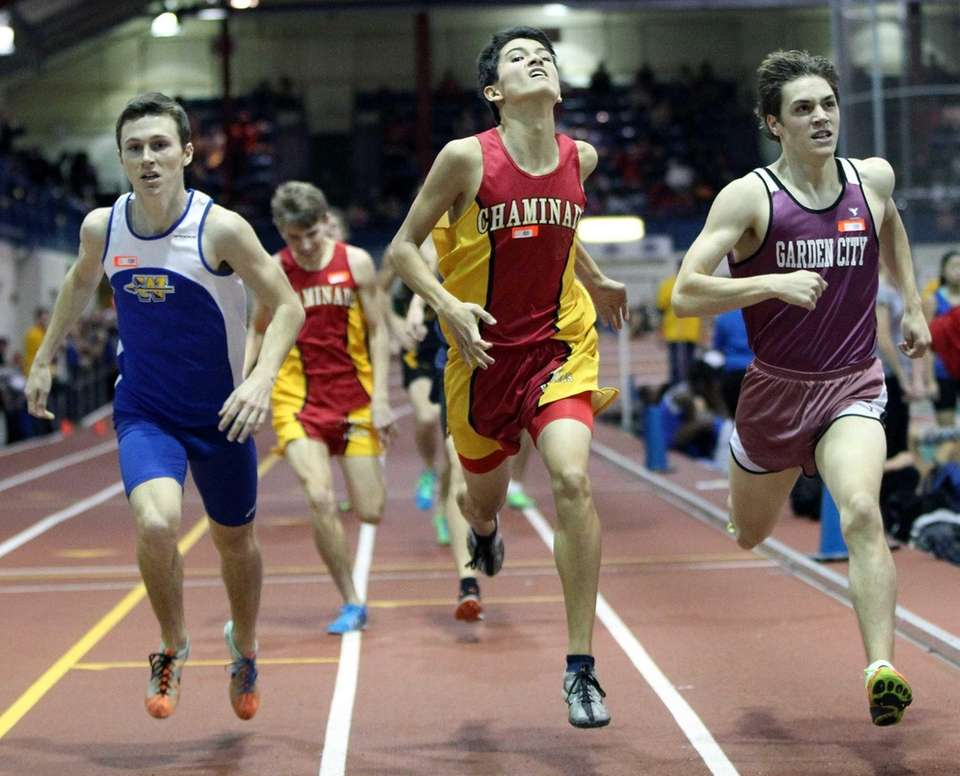 Chaminade's Sean Kelly competes in the boys 1000-meter