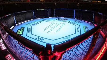 A general view of the UFC octagon befoer
