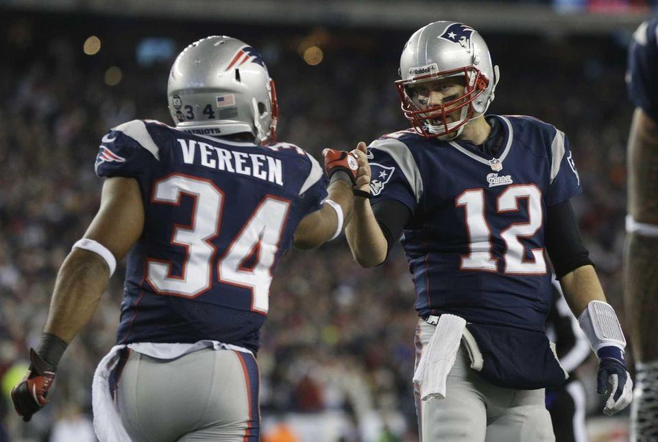 New England Patriots running back Shane Vereen, left,