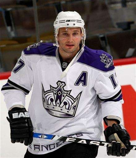 Los Angeles Kings defenseman Lubomir Visnovsky warms up