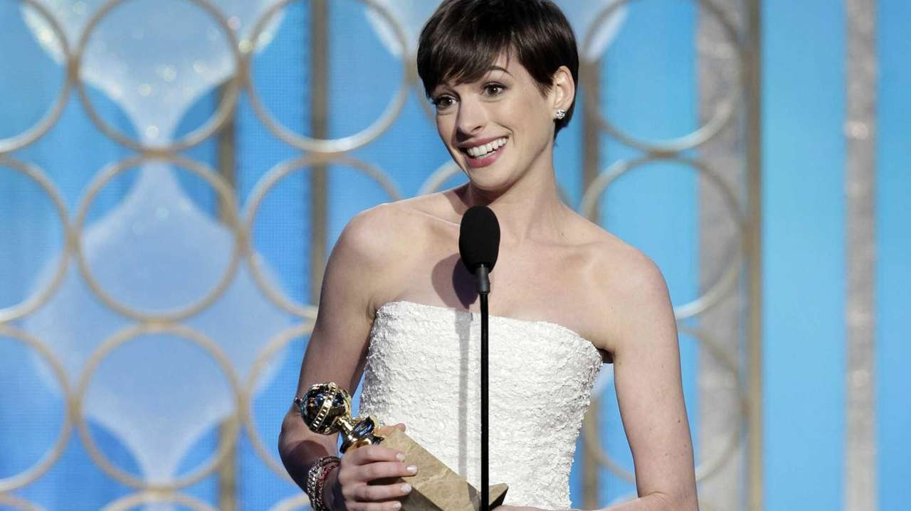 Anne Hathaway gives a thank-you speech for her