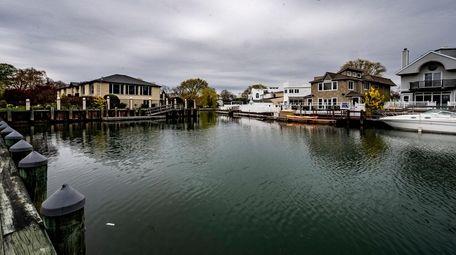 Waterfront homes in Merrick.