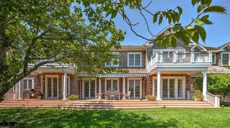 This 8,000-square-foot home for rent in Bridgehampton has
