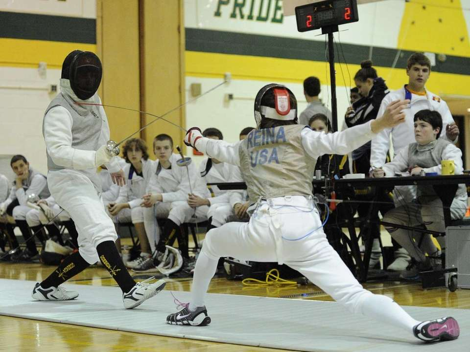 Ward Melville's Devon Reina competes in a foil