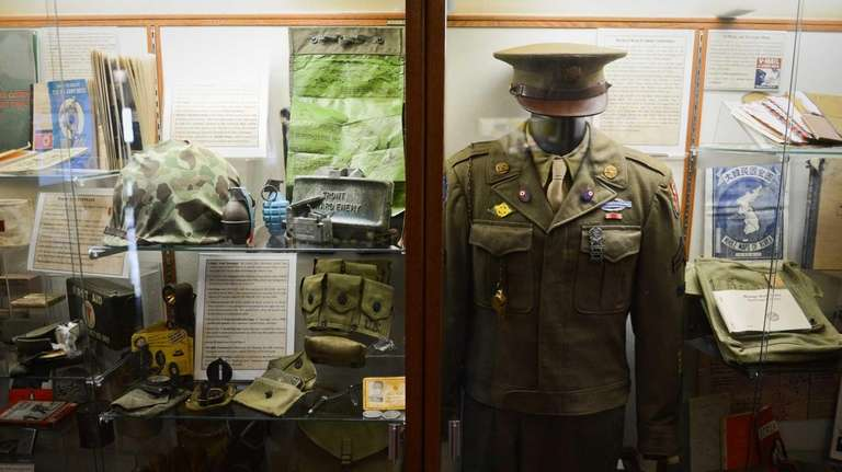 A World War II era U.S. Army uniform