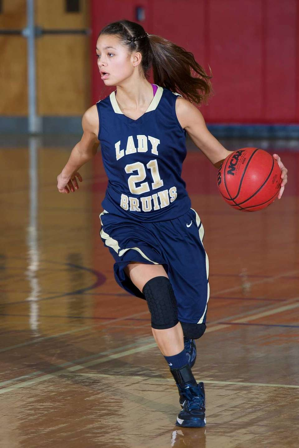 Baldwin guard Jade Aponte looks to drive to