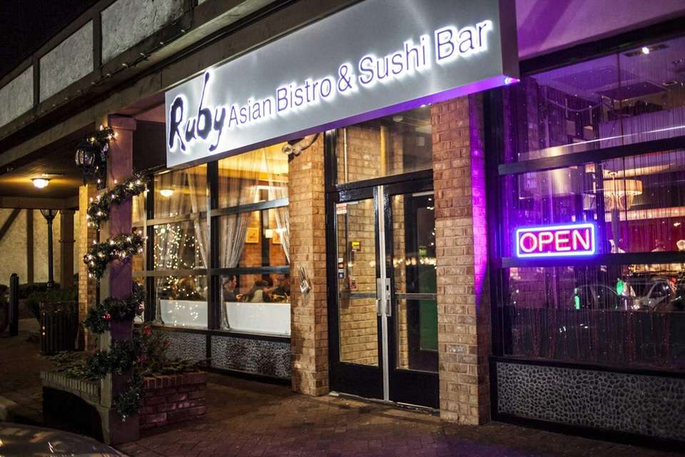 5. RUBY ASIAN FUSION & SUSHI BAR (8285