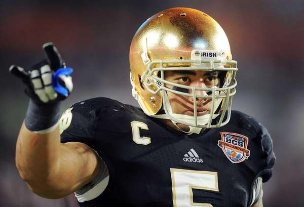 Notre Dame star linebacker Manti Te'o in the