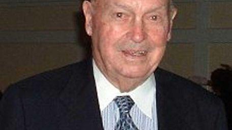 Emmett McNamara, the country's second oldest former FBI