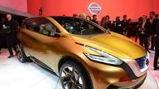 Nissan Resonance concept crossover is introduced at the