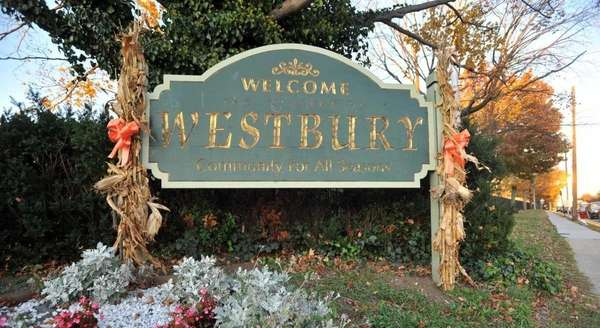 The Welcome to Westbury sign.