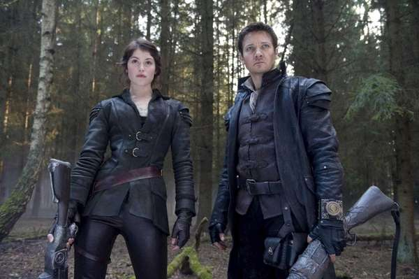 Gemma Arterton plays Gretel and Jeremy Renner plays