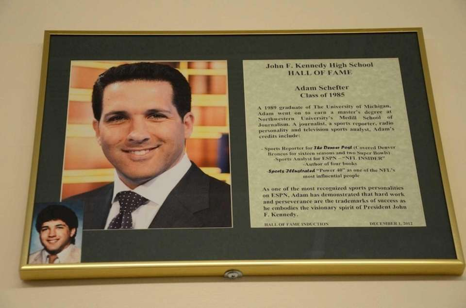 Adam Schefter, Class of 1985, is ESPN's NFL
