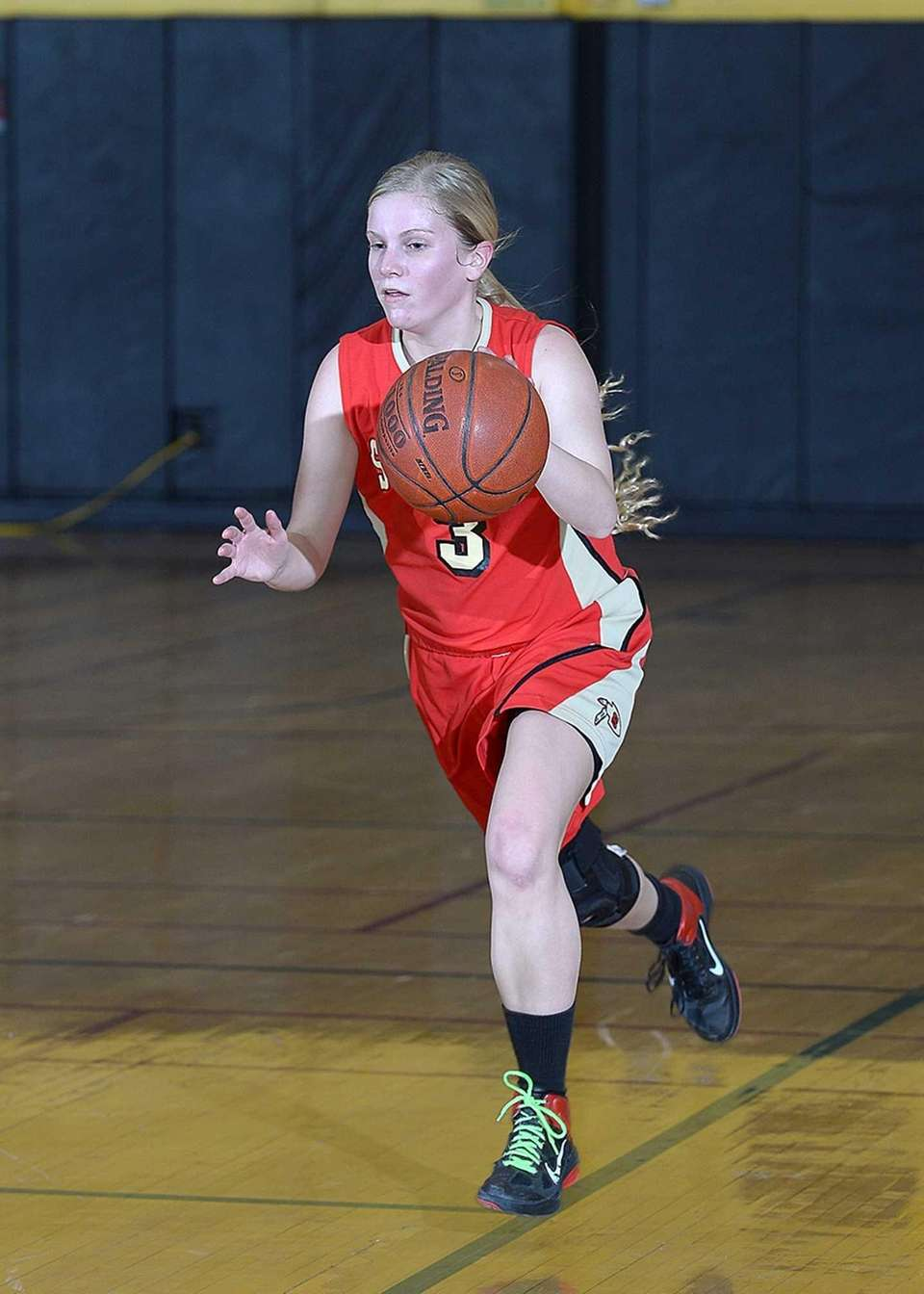 Sachem East's Christina Schretzman (3) finds an open