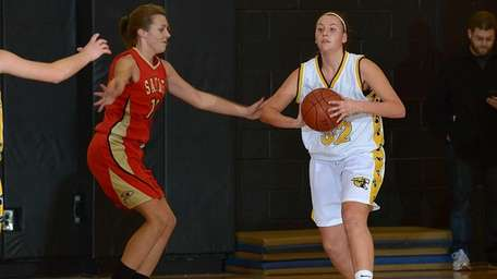 Commack's Chelsea Schultz looks to pass during a