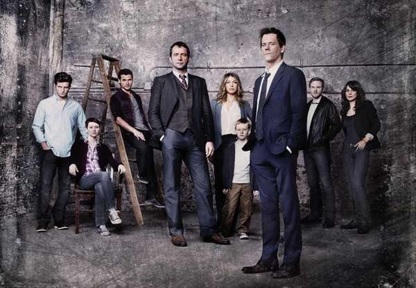 Kevin Bacon, front right, plays former FBI agent