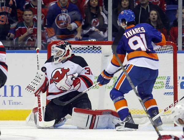 Martin Brodeur of the New Jersey Devils makes