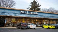 Pier 1 closed eight Long Island stores earlier