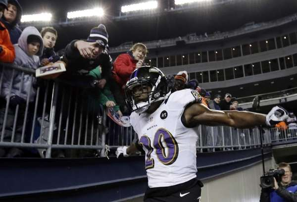 Baltimore Ravens free safety Ed Reed enters the