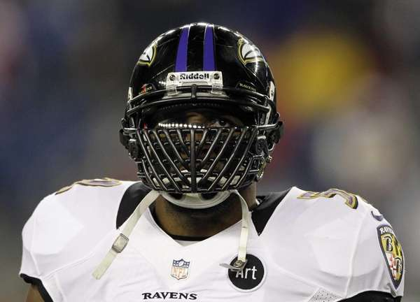 Baltimore Ravens inside linebacker Ray Lewis waits for