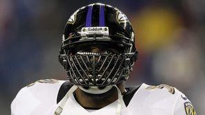 Baltimore Ravens inside linebacker Ray Lewis waits for