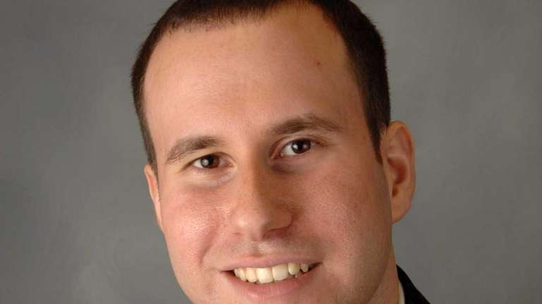 Lee Peretz has been promoted to marketing director