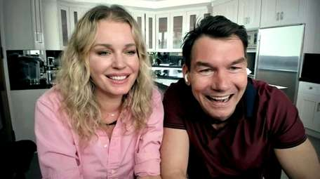 Rebecca Romijn and husband Jerry O'Connell are set