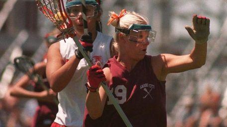 Garden City's Amy Appelt heads toward the goal