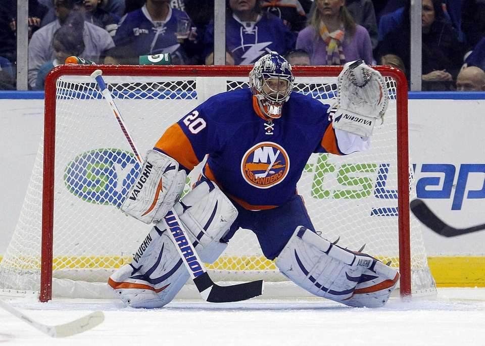 Evgeni Nabokov of the New York Islanders reaches