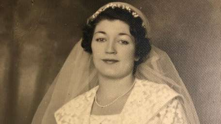 Jeanne Cunningham in her wedding photo from 1935.