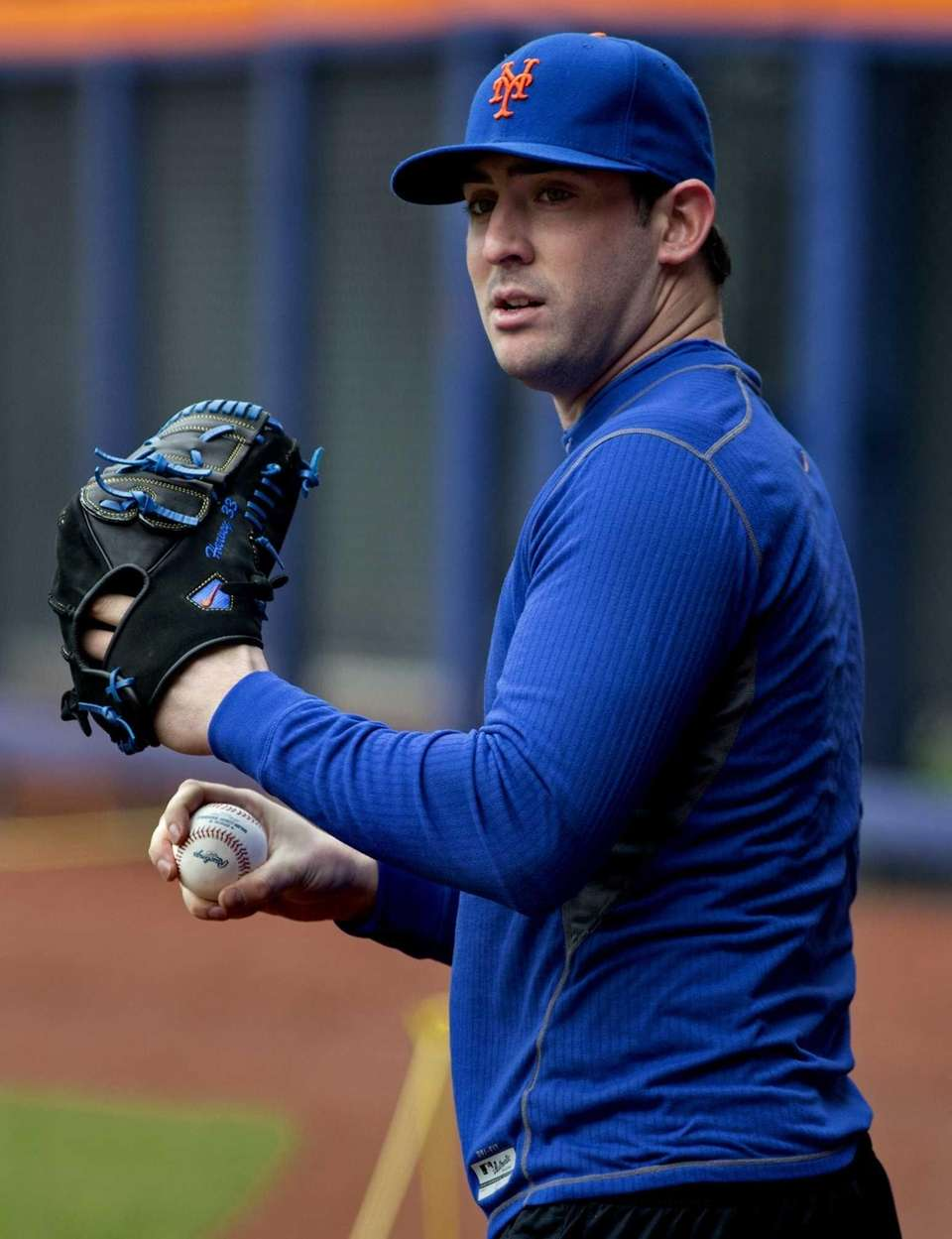 Mets starting pitcher Matt Harvey works out on