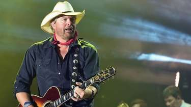 Toby Keith performs during Country Thunder Music Festival