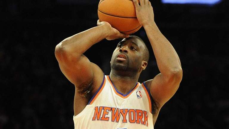 Raymond Felton shoots a foul shot during a