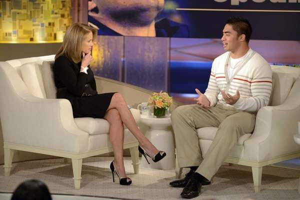 Notre Dame linebacker Manti Te'o, right, speaks with