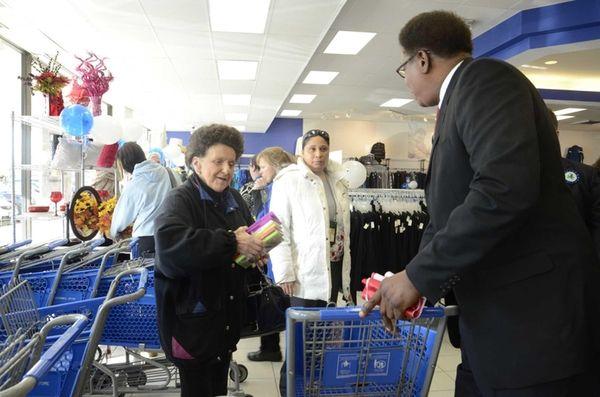 Mary Gynizio, 73, of Massapequa, takes a shopping