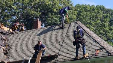 A Clearview Roofing and Construction crew at work