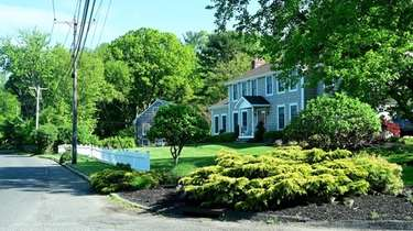 Homes on Dyke Road in Setauket-East Setauket.