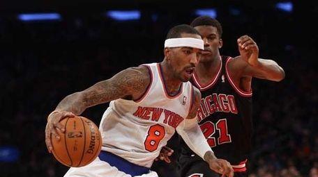 J.R. Smith #8 of the New York Knicks