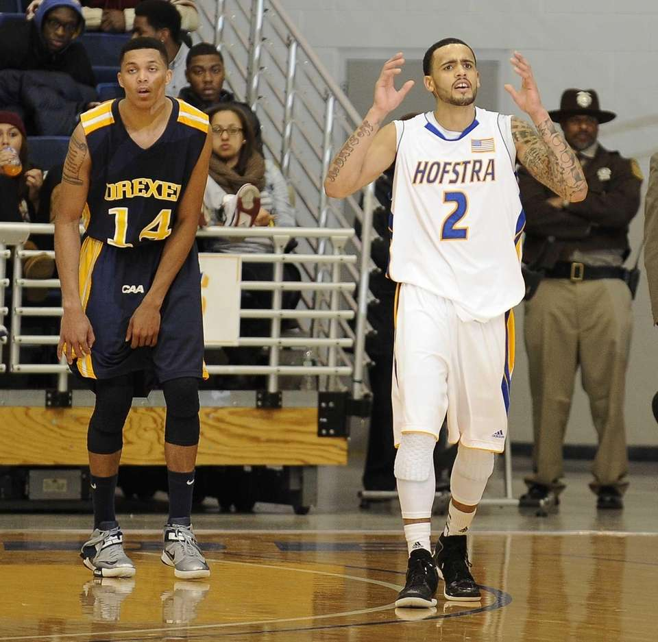 Hofstra guard Taran Buie and Drexel guard Damion