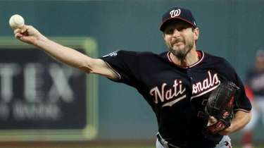 Washington Nationals starting pitcher Max Scherzer throws against