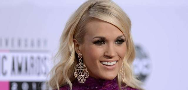 Carrie Underwood attends the 40th American Music Awards