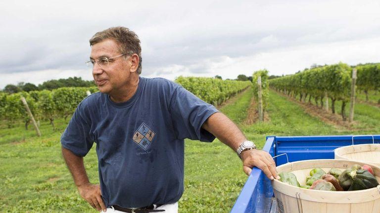 Penguin Group USA CEO and new gardener David