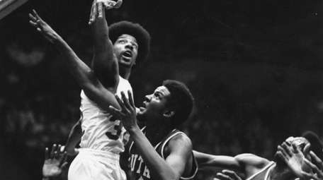 Julius Erving of the New York Nets in