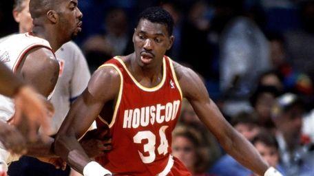 Houston Rockets center Hakeem Olajuwon against the Miami