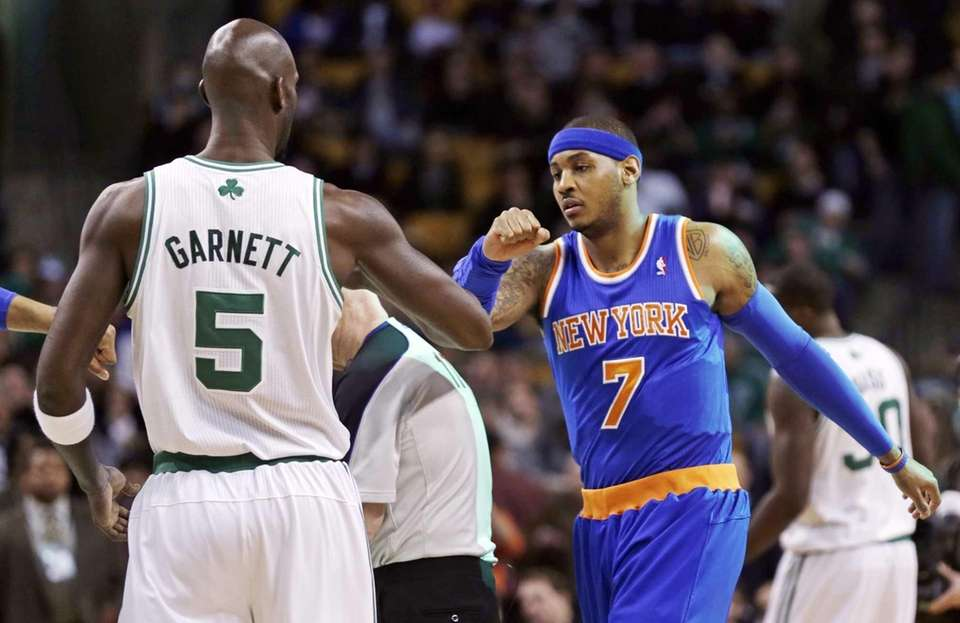 Boston Celtics forward Kevin Garnett (5) and Carmelo