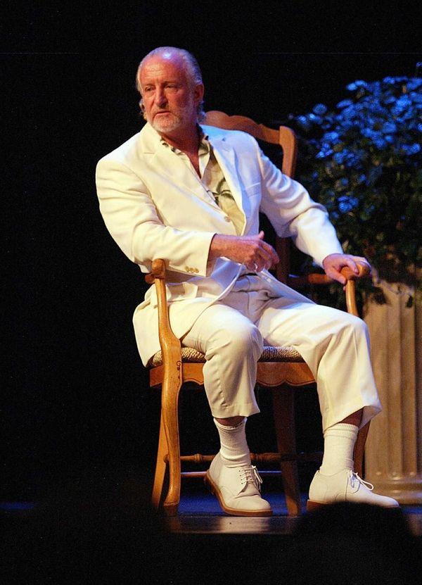 Architect Jay Lockett Sears talks at the Hamptons